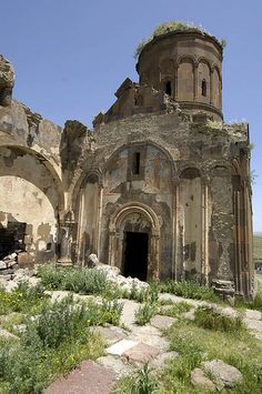 Church of Saint Gregory of Tigran Honents, Ani, SE Turkey Religious Architecture, Amazing Architecture, Saint Gregory, Old Churches, Archaeological Site, Romanesque, Ultimate Travel, Heaven On Earth, Barcelona Cathedral