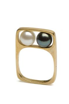 Jewellery 1966 - Mod pearl ring by Jean Dinh Van, France (space age jewelry, atomic era, galactic) - Pearl Ring, Pearl Jewelry, Jewelry Art, Jewelry Rings, Jewelry Accessories, Fine Jewelry, Jewelry Making, Modern Jewelry, Contemporary Jewellery