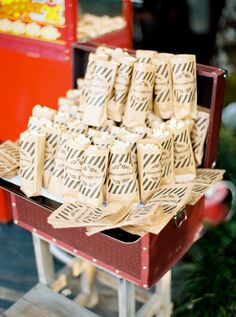 Yummy popcorn favors: http://www.stylemepretty.com/destination-weddings/2015/09/17/romantic-countryside-wedding/ | Photography: Brancoprata - http://www.brancoprata.com/