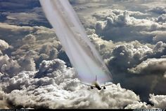 Cathay Pacific Airways B777-267 Incredible photo flying in international airspace. Photographer: Bailebao