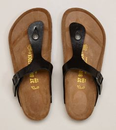 Birkenstock Gizeh Sandal. Ordering my first pair for Hawaii I hope they're comfy