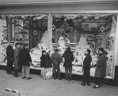 §§§ : Christmas display, Scranton PA : 1960