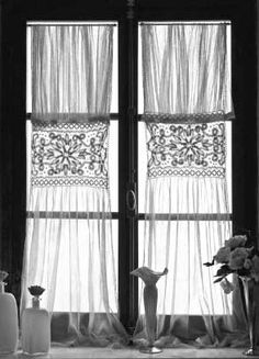 Pale softly colored fabrics with patterns of stripes or toile patterns are favored for linens and bedding when decorating tuscan style. Lace is commonly used for decorating tuscan style window treatments Victorian Curtains, Vintage Curtains, Cool Curtains, Lace Curtains, Cortina Boho, Curtains Pictures, Crochet Curtains, Country Curtains, Mediterranean Home Decor