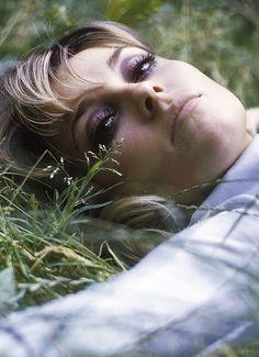 Sharon Tate in London, 1966. Photo by Jerry Schatzberg