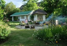 Esigodini Cottage - - sleeps Near to Drakensberg Gardens hotel Ideal Home, Gardens, Cottage, Patio, Places, Outdoor Decor, Silver, Travel, Home Decor