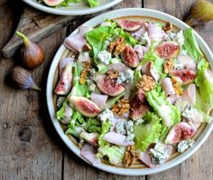 Fresh Fig Salad with Blue Cheese, Smoked Ham and Walnuts