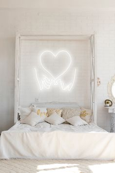 Sign Lighting, Modern Lighting, Love Neon Sign, Neon Signs, Girl House, Sign Design, Clear Acrylic, Rooms