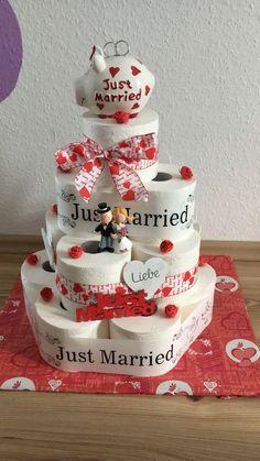 Toilettenpapiertorte Hochzeit - #Hochzeit #Toilettenpapiertorte Towel Cakes, Just Married, Gift Baskets, Special Day, Origami, Wedding Cakes, Bridal Shower, Birthday, Bae