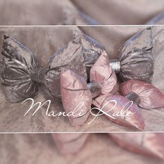 Crushed Velvet, Bows, Projects, Handmade, Accessories, Arches, Log Projects, Blue Prints, Hand Made