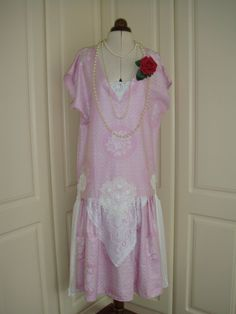 Really Pretty Antique Rose Pink and Lace Drop Waist Gatsby 1920's Style Cotton Dress