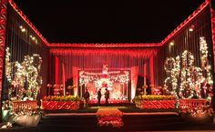 Home Wedding Decorations, Backdrop Decorations, Flower Decorations, Backdrops, Decoration Pictures, Decorating With Pictures, Wedding Mandap, Makeup Studio, Entrance Gates