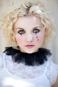 {Somewhat} Modest Women's Halloween Costumes