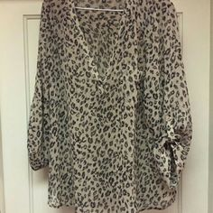 Maurices Leopard print tunic *reposh* Beautiful leopard print tunic. Bought on here but doesn't fit right. Maurices Tops Tunics