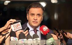 Aécio sinaliza que PSDB não assinará denúncia contra Cunha no Conselho de Ética