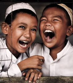 Laughter from children is a joy to watch and experience! Bless all the children in the world! Happy Smile, Smile Face, Make You Smile, Happy Faces, I'm Happy, Beautiful Smile, Beautiful Children, Beautiful People, Precious Children