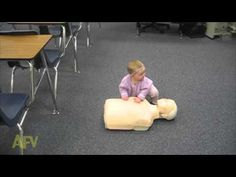 Baby girl captured on video practicing CPR on a manikin. This adorable video is proof that anyone can learn CPR. Funny Babies, Funny Kids, Cute Babies, How To Do Cpr, New Funny Videos, Viral Videos, Biology Lessons, Baby Learning