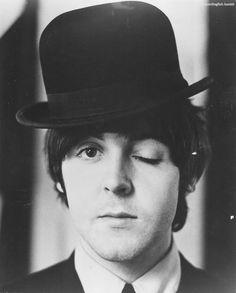 paul mccartney the beatles bowler hat Beatles Songs, The Beatles, Beatles Poster, Beatles Art, Beatles Photos, Ringo Starr, Paul Mccartney Beatles, Linda Mccartney, George Michael