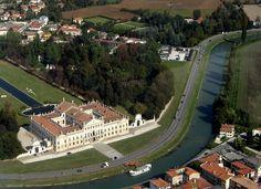 Villa Pisani di Stra (vista aerea)