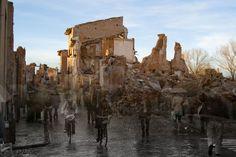Belchite  fue un pueblo de los más prósperos de principios del siglo XX en la provincia de Zaragoza, entre sus bellos muros de estilo mudéjar llegaron a contabilizarse dos conventos y varias iglesias, símbolo de la buena salud económica de la comarca.