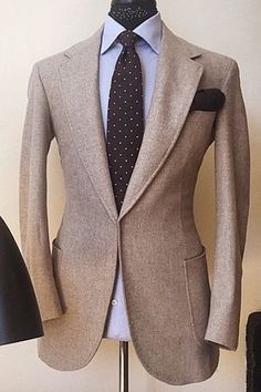 Manolo Costa NY / Fit / Matière / Revers / Couleurs