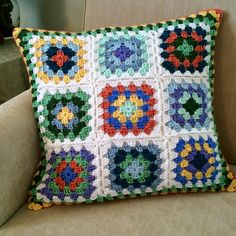 Ravelry: shimmerfizz's Happy Summer Pillow #crochet Granny Squares