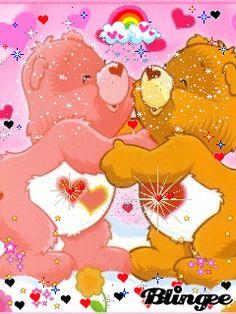 Ositos cariñositos en un abrazo muy amoroso junto a unos lindos corazones con movimiento y brillo