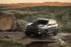2016 Jeep Cherokee Trailhawk, I'm in love with this suv. Add the blackout package and it's a deal.
