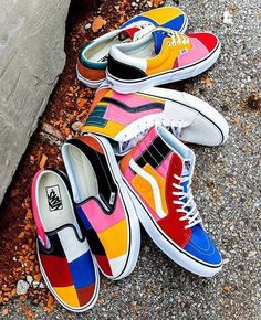 painting vans old skool / painting vans Vans Customisées, Vans Sk8 Hi, Vans Era, Tenis Vans, Painted Vans, Painted Shoes, Vans Slip On, Slip On Sneakers, Custom Vans