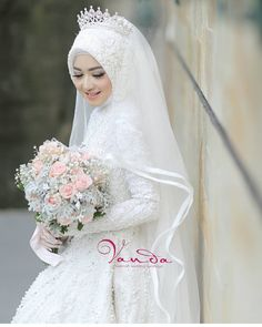 MORE PICTS You can also see more ideas about wedding inspiration flowers , wedding inspiration forest , wedding inspiration diy , wedding in. Muslim Wedding Gown, Hijabi Wedding, Wedding Hijab Styles, Muslimah Wedding Dress, Muslim Wedding Dresses, Muslim Brides, Muslim Dress, Elegant Wedding Dress, Bridal Dresses