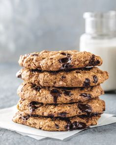 Vegan + Gluten-free Chocolate Chip Cookies from Café Gratitude - Camille Styles Cafe Gratitude, Gluten Free Chocolate Chip Cookies, Gluten Free Cookies, Whole Food Recipes, Dessert Recipes, Vegan Desserts, Delicious Desserts, Dinner Recipes, Thing 1