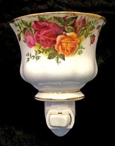 Royal Albert Old Country Roses Tea Cup Nightlight Royal Albert, Teapot Lamp, Cow Kitchen, Vintage China, Antique China, Glass Tea Cups, Rose Tea, My Cup Of Tea, Ceramic Design