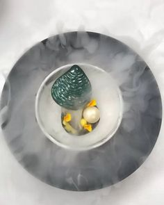 1,177 mentions J'aime, 20 commentaires – Maurits van der Vooren. (@mauritslatour) sur Instagram : « #testing #new #oysters #chocolate #mango #yoghurt #casspijkersacademie @gideaux_amsterdam #love… » Plating Ideas, Food Plating, Molecular Gastronomy, Culinary Arts, Plated Desserts, Fine Dining, Food Styling, Food Art, Nom Nom