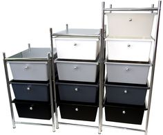 Los tonos grises también hacen grandes muebles, como estos carritos para cocina y baño