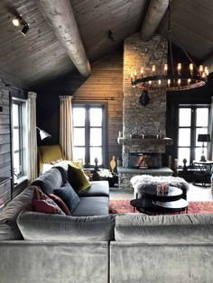 Cabin Homes, Log Homes, Chalet Design, House Design, Chalet Interior, Interior Design, Fireplace Feature Wall, Log Home Interiors, Hygge Home