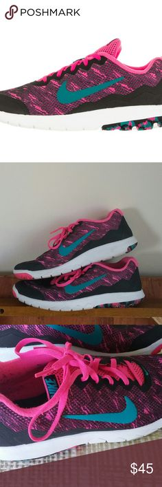 reputable site e2c5e 8e577 Nike Flex Experience Run 4 women s shoes sz 8.5 Pink and black running shoes  by Nike