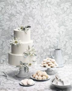 In Full Bloom - 8 Platinum Wedding Cakes That Are Metallic Masterpieces