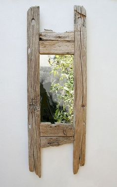 Simple yet beautiful driftwood mirror