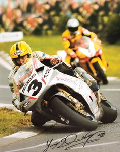 The legendary Joiey Dunlop on the Honda RC45 V4 at the Isle of Man TT