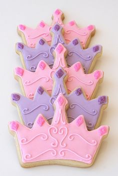 These crown-shaped cookies are the perfect treat for a pretty princess-themed birthday party!