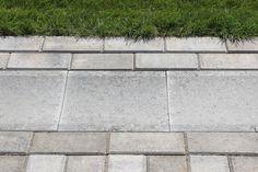 Vesikouru  Betoninen kourulaatta soveltuu pintavesien ohjaukseen kiveyksen reunoissa tai keskellä. http://www.rudus.fi/pihakivet