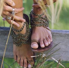 Boho Shoes + ankles chains diy or not
