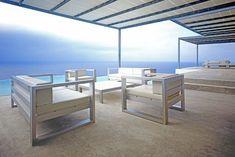 Mobiliario de lujo en casa mediterránea