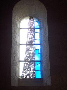 Eglise Ste Hérie, Matha, 13 juillet 2008, vitrail fin XXe s. de Gérard Lardeur