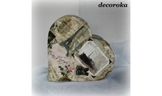 Wooden heart painted (acrylic) and decorated with the art of napkin collage method (napkin stuck), then varnished.   dimensions:  L: 17cm  l: 16cm  H: 6cm   Materials used: Wood, Paper