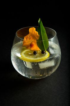 The classic G gets all dressed up in flowers and fragrance, with lemon verbena, nasturtium, juniper, lime and lemon.