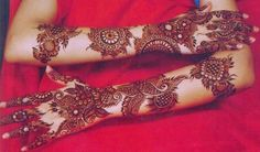 Beautiful Mehndi Design - Browse thousand of beautiful mehndi desings for your hands and feet. Here you will be find best mehndi design for every place and occastion. Quickly save your favorite Mehendi design images and pictures on the HappyShappy app. Henna Hand Designs, Dulhan Mehndi Designs, Mehandi Designs, Best Arabic Mehndi Designs, Karva Chauth Mehndi Designs, Mehendi, Latest Bridal Mehndi Designs, Mehndi Designs For Hands, Heena Design