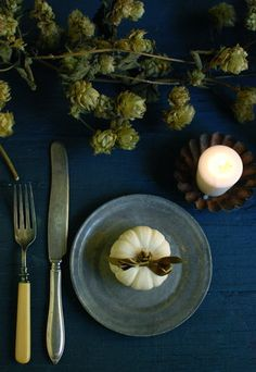 Image Via: projectwedding.com teal wedding green brown event fall autumn party place setting