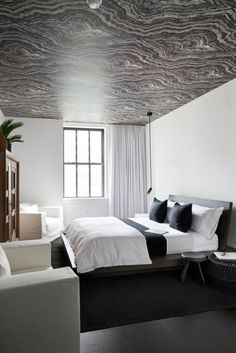 Bedroom inspiration 10 bedroom inspirations for apartment interior design beautiful black and white apartment bedroom with White Interior Design, Apartment Interior Design, Interior S, Contemporary Bedroom, Modern Bedroom, Bedroom Decor, Master Bedroom, Trendy Bedroom, Design Bedroom