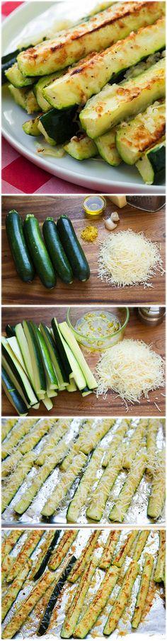 Na prípravu budeme potrebovať: 4 malé/stredné cukety, 2 PL olivového oleja, kôra z 1 citróna, 2 strúčiky cesnaku, 3/4 šálky jemne nastrúhaného parmezánu, soľ a čerstvo namleté korenie.