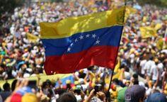 """""""Libertad"""" gritan los músicos venezolanos http://crestametalica.com/libertad-gritan-los-musicos-venezolanos/ vía @crestametalica"""